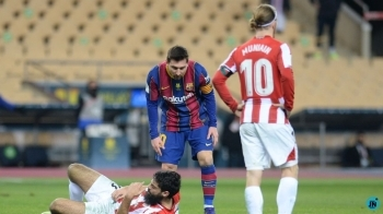 Lionel Messi sees red as Barcelona lose Supercopa final to Bilbao